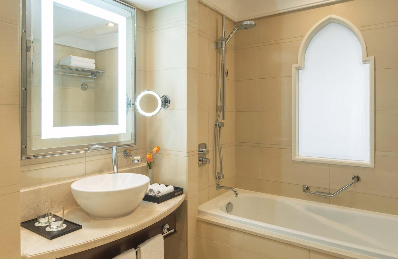 Non-Slip Baths Hotel
