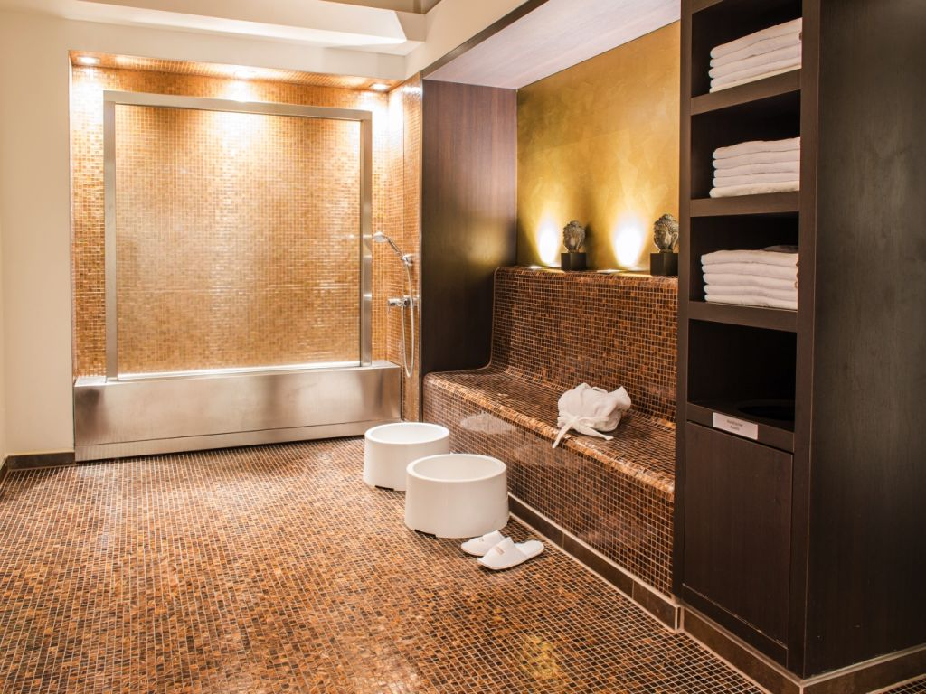 Hotel Guest Safety: Slip and Fall Prevention