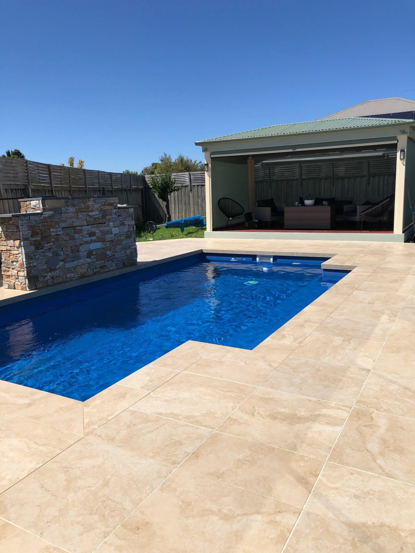 Non-Slip Pool Deck Swiss GriP